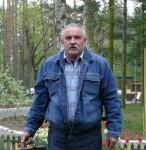 Zygmunt Błaszczyk w drodze na obrady